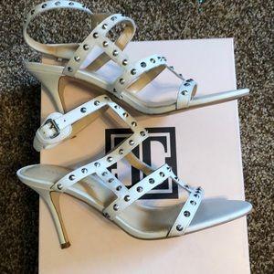 Ivanka Trumps Gemina heels size 9